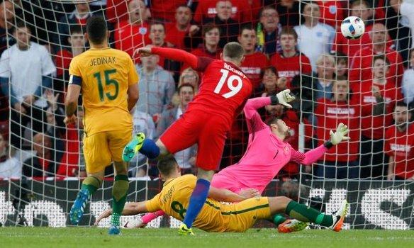Wayne Rooney scores England's second goal vs Australia, Sunderland, 2016-05-27