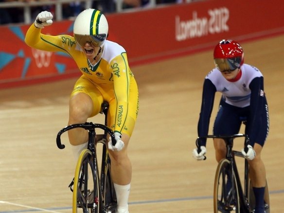 Anna Meares wins the women's sprint at London 2012 Olympics