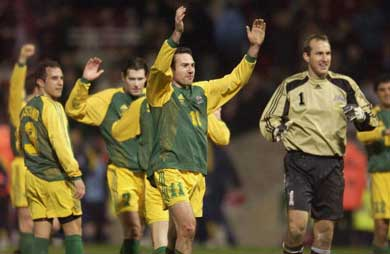 England 1 - Australia 3 - 2003 Friendly - Preview and Review - Australia celebrates the win
